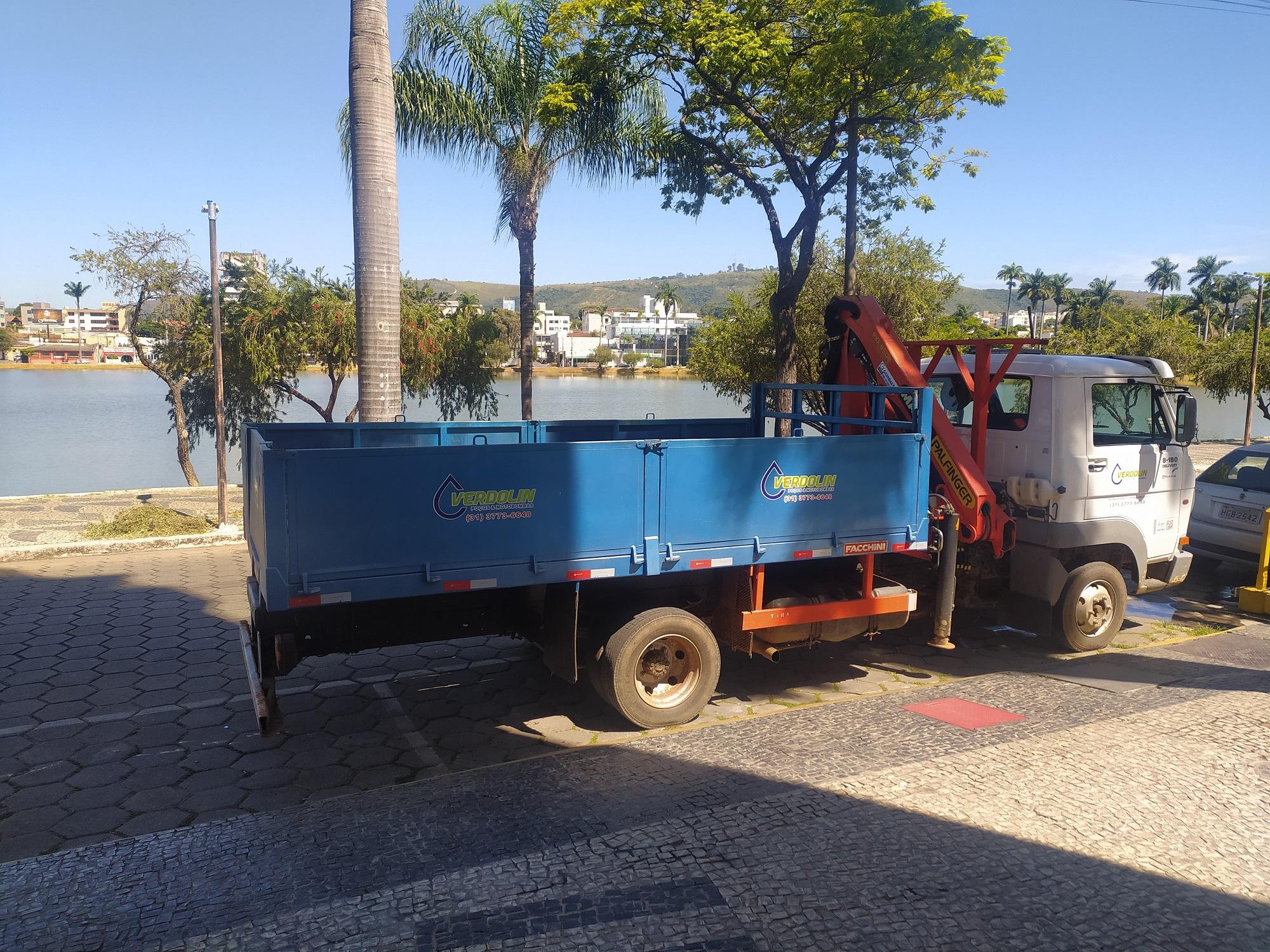 SERVIÇO DE LIMPEZA DE POÇO ARTESIANO
